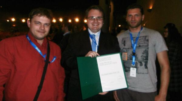 Členové naší redakce s diplomem z Academia film Olomouc 2014