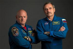 Scott Kelly a Michail Kornienko