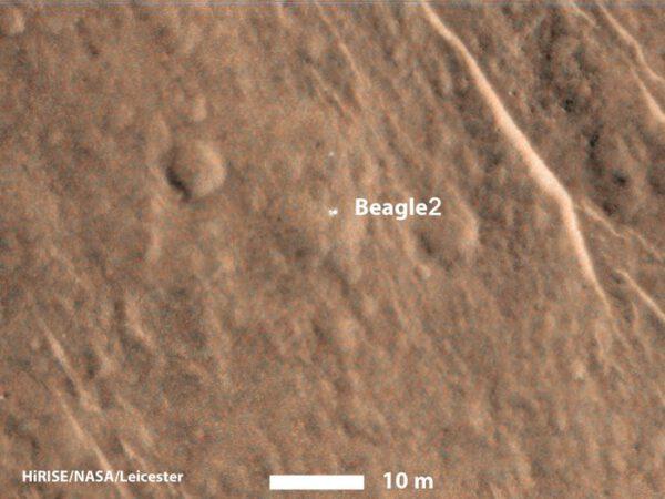 Beagle 2 nalezený kamerou HiRISE sondy MRO zdroj:esa.int