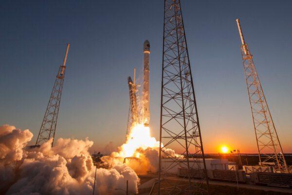 Start Falconu 9 s DSCOVR