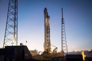 Raketa Falcon se sondou DSCOVR