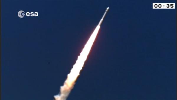 První stupeň rakety nese označení P80. Obsahuje 88 tun paliva a po dobu 110 sekund poskytuje tah 2 261 kN