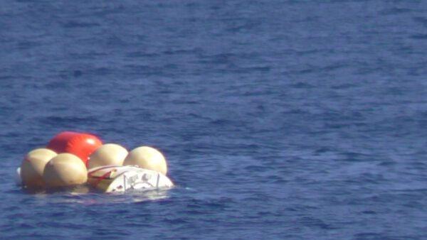 IXV po přistání na vlnách Pacifiku