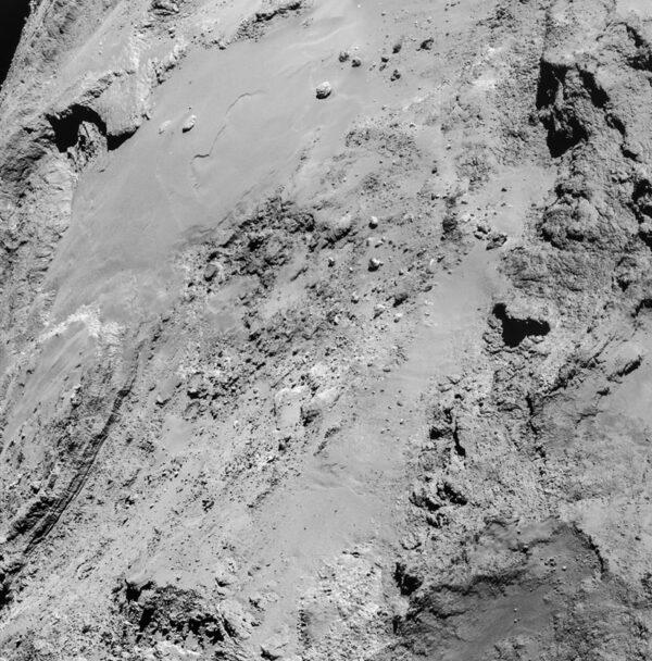 Snímek pořízený 14.2. ze vzdálenosti 8,9 km nad povrchem. Rozlišení: 0.76 m/pixel