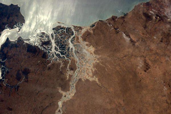 """""""Zdravím Senegal! Delta Saloum patřící mezi světové kulturní dědictví UNESCO vypadá z vesmíru úžasně."""""""