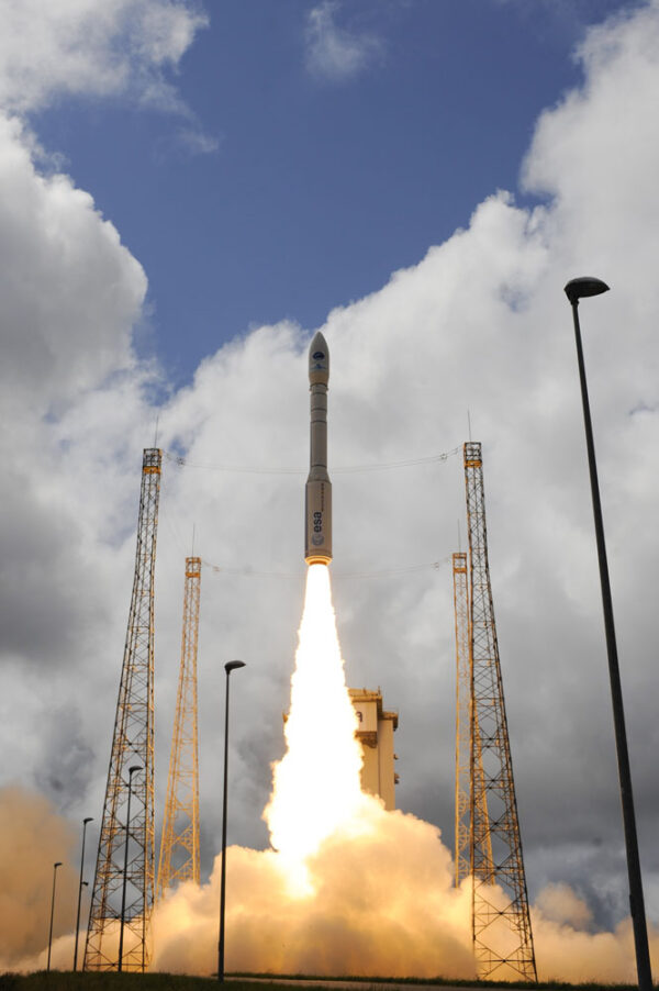 Raketa Vega je vysoká 30 metrů