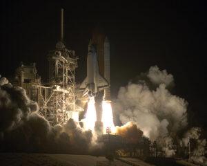 STS-61 startuje