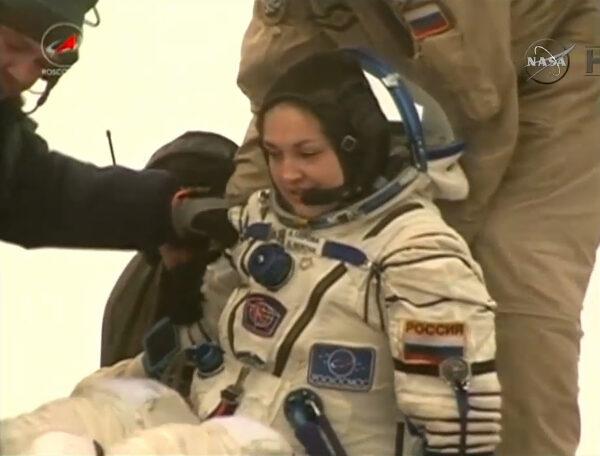 Jelena Serovová po opuštění přistávací kabiny