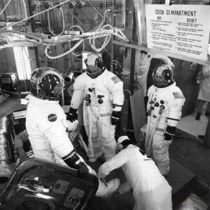 Záložní posádka Apolla 15 (zleva: Gordon, Brand, Schmitt)