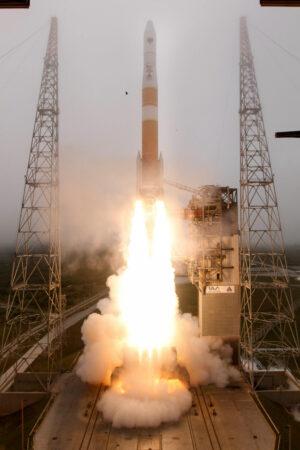 Start rakety Delta IV s družicí GPS 2F-9