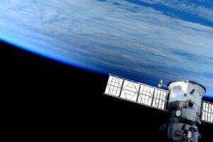 Dnešní zatmění nebylo z paluby ISS příliš dobře pozorovatelné, přesto je stín patrný.