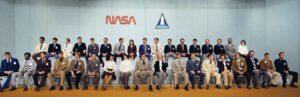 Osmá skupina astronautů NASA, zvaná TFNG. Sally v přední řadě, osmá zleva.