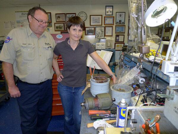 S Grantem a rozloženým generátorem.