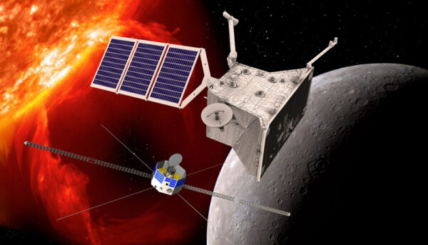 Evropská sonda  Mercury Planetary Orbiter  (nahoře) a japonská  Mercury Magnetospheric Orbiter (dole)