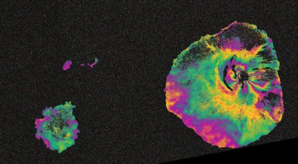 Kapverdský ostrov Pico do Fogo , na kterém se 23. listopadu 2014 probudil vulkán. Snímky ze Sentinelu pomáíhají vědcům v chápání vulkanické aktivity.