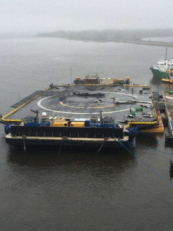 Drone Ship po doplutí do přístavu