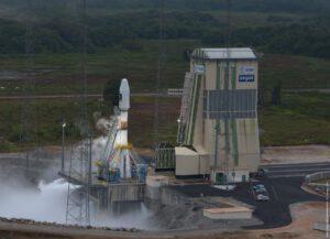 Rampa ELS (Ensemble de Lancement Soyouz) pro rakety Sojuz v Kourou byla navržena tak, aby ji bylo možné přestavět i na starty pilotovaných lodí.