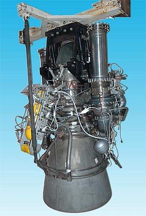 """Motor YF100, který se stane """"srdcem"""" všech budoucích čínských  nosičů."""