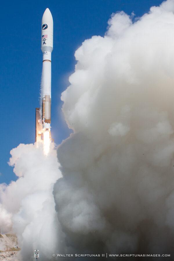 Atlas V s X-37B stoupá