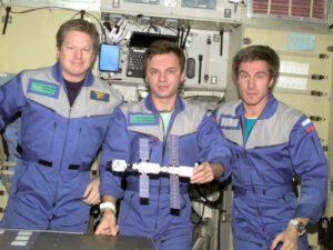 Expedice 1: (zleva) Shepherd, Gidzenko, Krikaljov