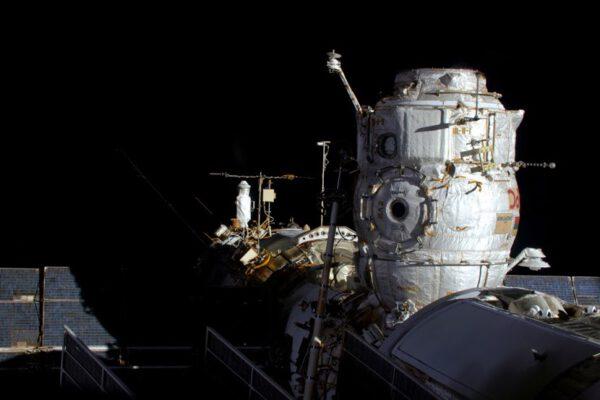 Bez Progressu zůstává dokovací port neobsazený. Vesmírná stanice i posádka jsou ale dobře vybaveny, aby se přizpůsobily.