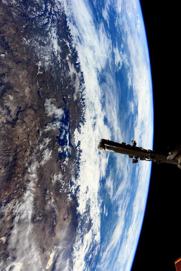 """""""Užila jsem si tuto nádheru naší planety během našeho přeletu nad Andami a jezerem Titicaca."""""""