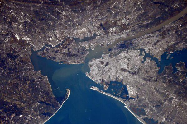 """""""New York, New York! Téměř vidím Sochu svobody. Ta je mimochodem mezi světovým kulturním dědictvím UNESCO."""""""