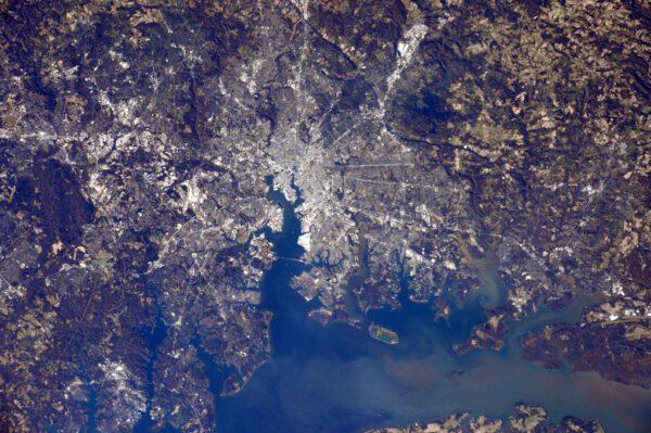 """""""Zdravím Baltimore, domovské město mého kolegy Terryho. Doufám, že jste se včera usmívali!"""""""
