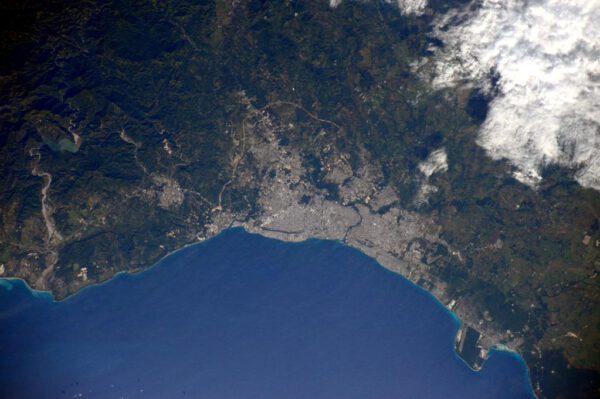 """""""Zdravím Dominikánskou republiku! V zeleni je zde usazené hlavní město Santo Domingo."""""""