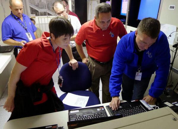 Dnes jsme s Antonem a s Terrym absolvovali simulaci ztráty ovládání polohy ISS.