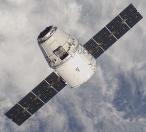 Důsledek spásného telefonátu v předvečer Vánoc - Dragon u ISS