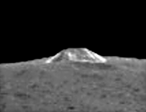 Takzvaná pyramidová hora, která se nachází na trpasličí planetě Ceres