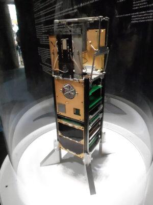 Cubesat VZLUSAT-1, který má v roce 2016 testovat rentgenový dalekohled a vzorky materiálů, určených k radiačnímu stínění.