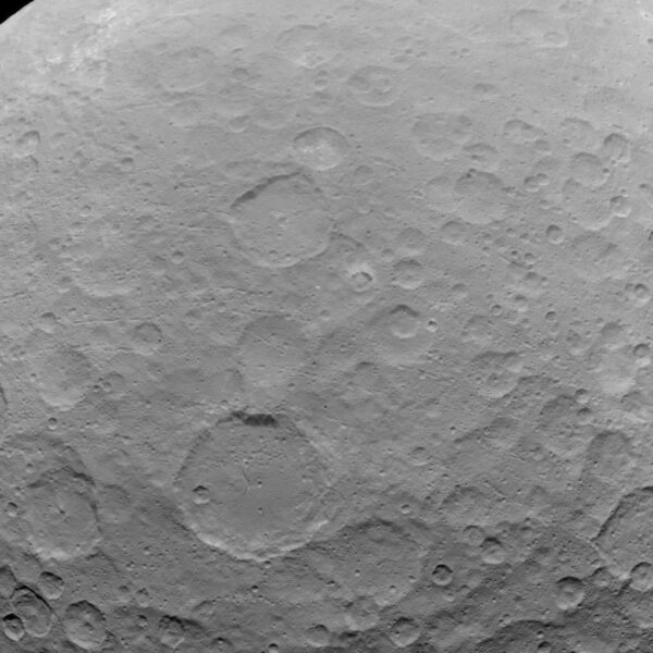 Snímek z 22.5. pořízený z výšky 5100 kilometrů.