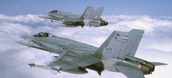 Stroje kanadské armády CF-18, na kterých sloužil Christopher Hadfield