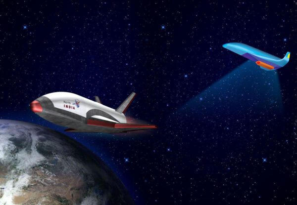 RLV TD (vlevo) bude prvním krokem na cestě k raketoplánu Avatar