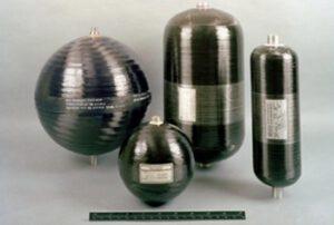 Nádrže s tlakovacím heliem