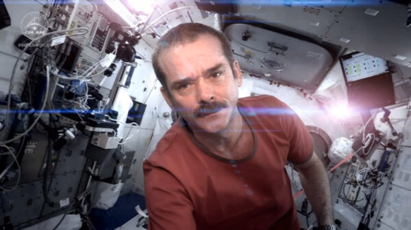 Chris Hadfield a kosmická píseň Space Oddity