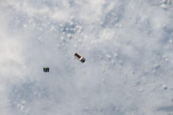Satelit A3R po vypuštění