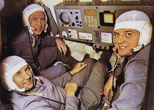 Posádka Sojuzu 11 - zleva Pacajev, Dobrovolskij, Volkov