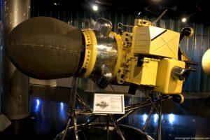 Model sondy Luna 9 vystavený v moskevském muzeu kosmonautiky.