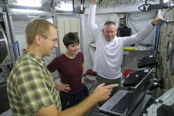 Pokračujeme s Butchem v našem výcviku specialistů modulu Columbus.