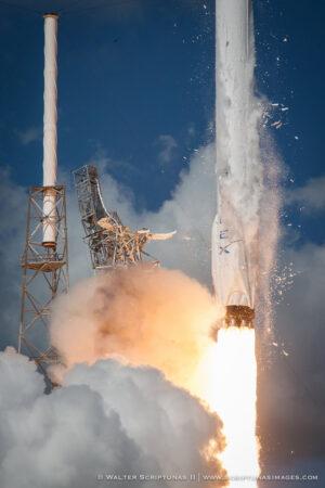 Start rakety Falcon 9 - tady bylo ještě všechno v pořádku.
