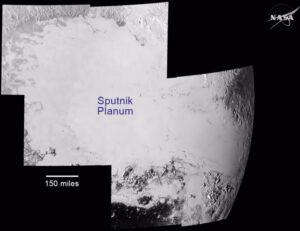 Mozaika oblasti Sputnik planum vytvořená ze sedmi snímků