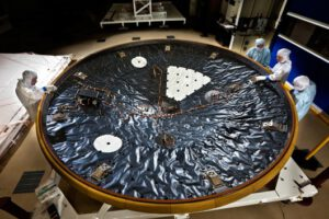 Příprava tepelného štítu pro vozítko Curiosity