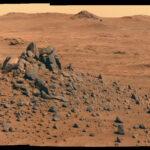 Lindbergh Mound v kráteru Spirit of St. Louis na Marsu