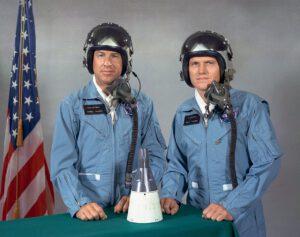 Posádka mise Gemini 7 zleva - Jimm Lovell, Frank Borman