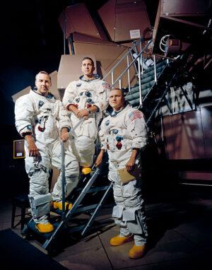 Posádka Apolla 8 zleva: Jim Lovell, William  Anders a Frank Borman