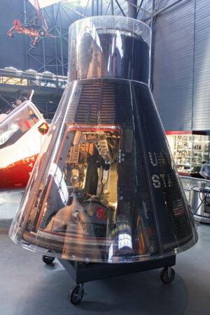 Kabina lodi Gemini 7 neposkytovala mnoho prostoru