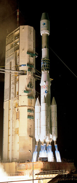 Evropská raketa Ariane 4 při startu